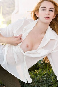 Fantastic Nude Babe Ivy Jones