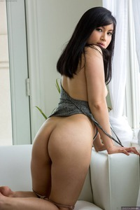 Nice Asian Hottie Omorose Showing Hairy Pussy
