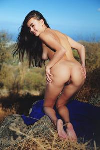 Li Moon Shows Her Great Boobies