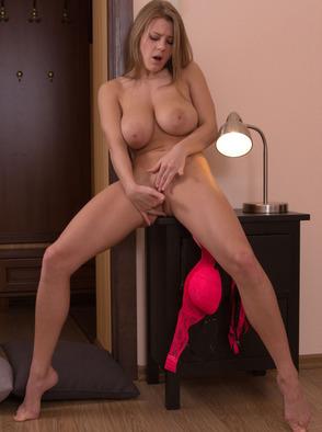 VANEA H Pink Vaginal Vestibule