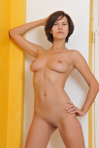 Short Haired And Busty Suzanna Aye Posing Nude