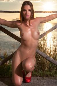 Amanda In All Summer Long