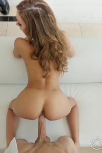 Stunning Beauty Moka Mora Has Amazing Sex