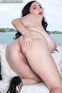 Huge Boobs Brunette Milly Marks