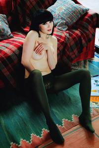 Malena Fendi Shows Nude Petite Tight Body