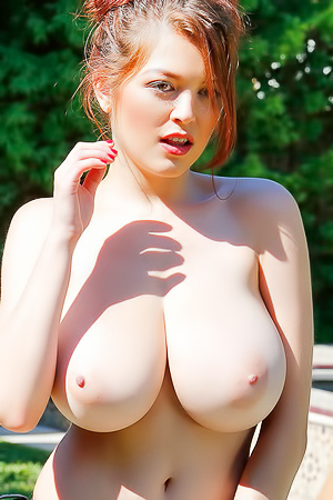 Tessa Fowler Strips Off Her Bikini
