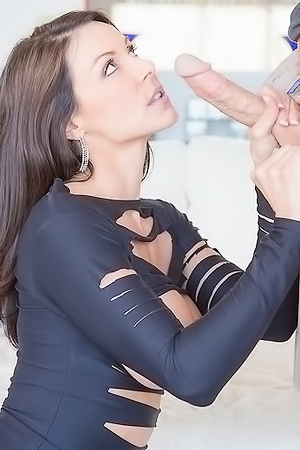 Fascinating Milf Model Kendra Lust