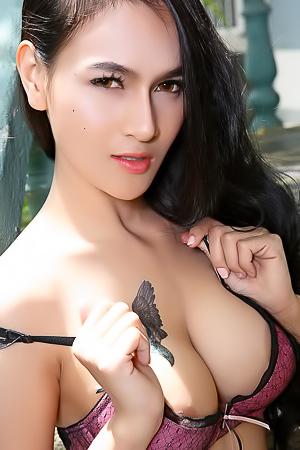 Beauty Asian Model Ginny
