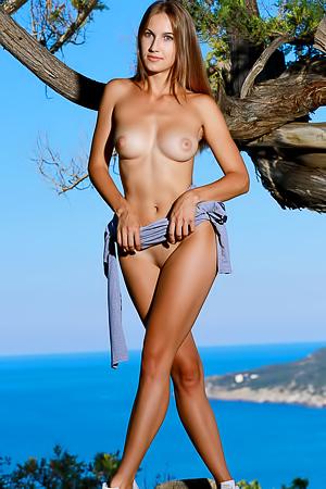 Milenia Sexy Young Goddess