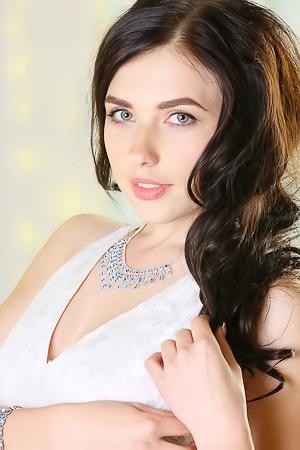 Ukrainian Sweetheart Niemira