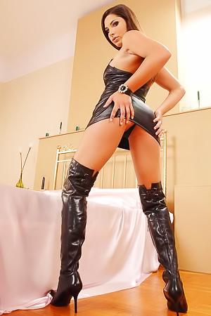 Zafira In Leather