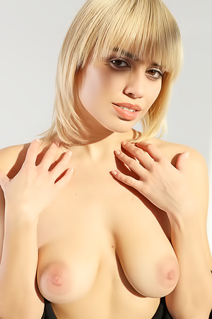 Hot Natural Blonde Margot At Casting
