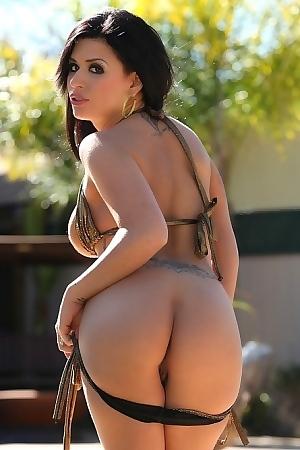 Eva Angelina Hot Pornstar Posing By The Pool