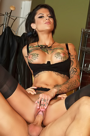 Bonnie Rotten Gets Cum On Her Face