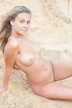 Chiara nude on dunes