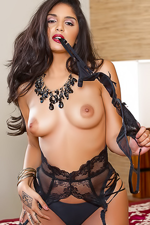 Curvaceous Playboy Newcomer Melissa Lolita