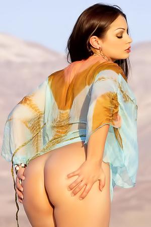 Aria Giovanni Nude In The Sand