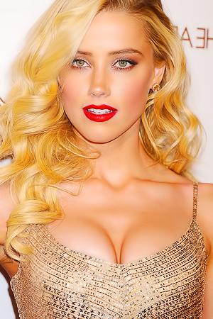 Sexy Amber Heard Photos