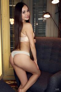 Cute Asian Teen Li Moon Naked
