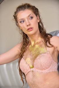 Pure Gold Elena Plays With Her Pussy